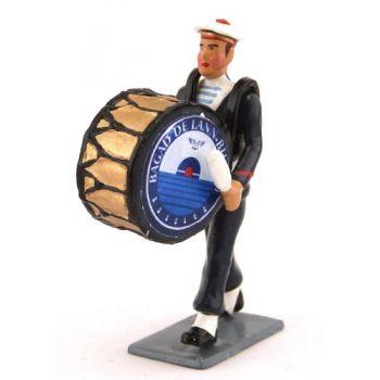 joueur de grosse caisse du Bagad de Lann-Bihoué, tenue d'hiver