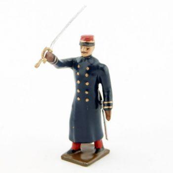 officier de l'infanterie de ligne en capote à l'assaut