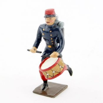 tambour de l'infanterie de ligne en capote à l'assaut