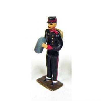 servant d'artillerie de campagne avec obus
