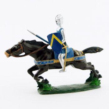 croisé à l'assaut, sur cheval au galop