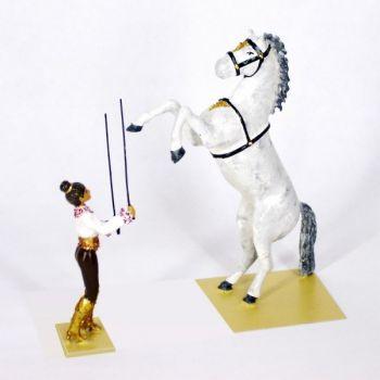 la dresseuse et le cheval cabré