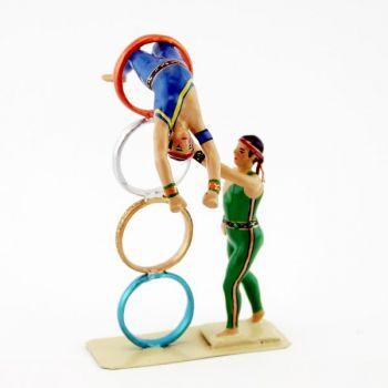 acrobate dans les anneaux (les ''cerceaux chinois'')