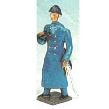 officer avec jumelles