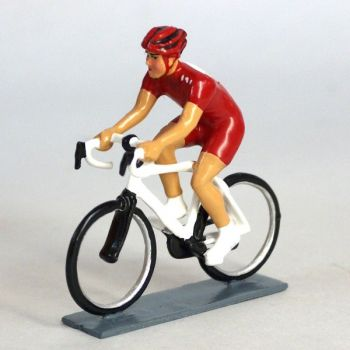 cycliste contemporain, maillot rouge