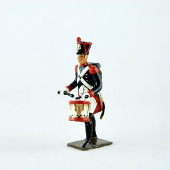 tambour de l'infanterie de ligne, pied gauche en avant