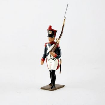 fantassin de l'infanterie de ligne, pied gauche en avant