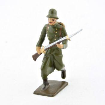 fantassin de l'infanterie prussienne, casque acier, à l'assaut