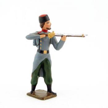 fantassin de l'infanterie russe en Chapska (Toque) au feu