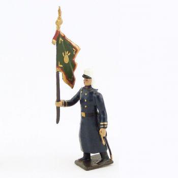 drapeau de la légion tenue bleue en capote (Maroc, 1910) à l'assaut