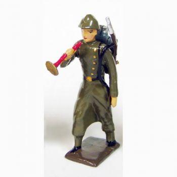 clairon de l'infanterie de ligne en capote kaki (1921-1945)