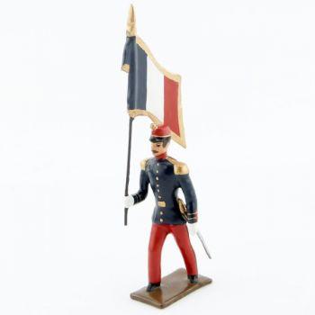drapeau de l'infanterie de ligne en tunique, pantalon garance