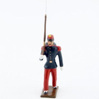 fantassin de l'infanterie de ligne en tunique, pantalon garance