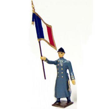 drapeau de l'infanterie de ligne en capote b.h. à l'assaut