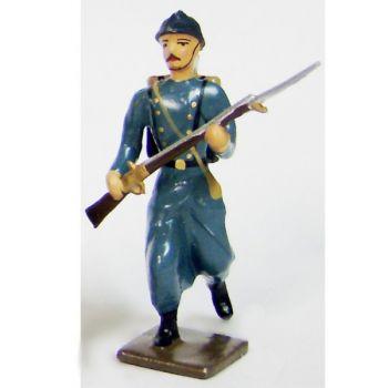 fantassin de l'infanterie de ligne en capote b.h. à l'assaut