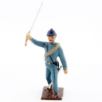 officier de l'infanterie de ligne en tunique bleu horizon à l'assaut