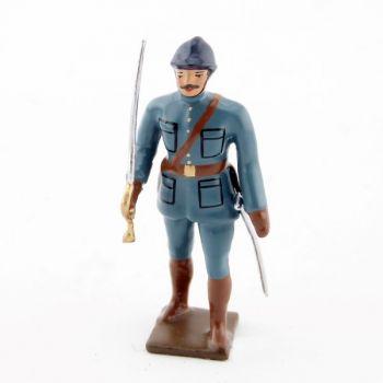 officier de l'infanterie de ligne en tunique bleu horizon