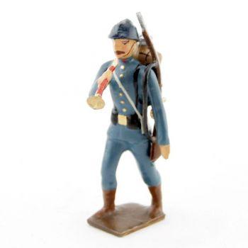 clairon de l'infanterie de ligne en tunique bleu horizon