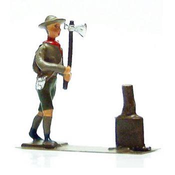 scout fendant du bois
