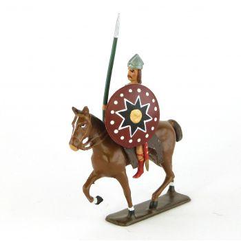 cavalier gaulois, casque à crête, avec lance et bouclier
