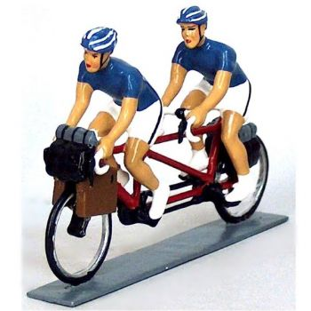 Cyclotouristes (Cyclo-randonneurs) en tandem, t-shirts bleus