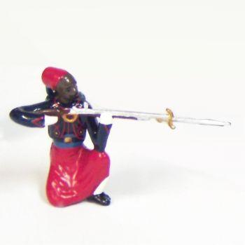 fantassin à genou, fusil en joue