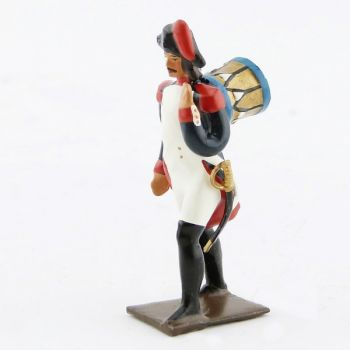 tambour de l'infanterie campagne d'Egypte portant sa caisse sur le dos