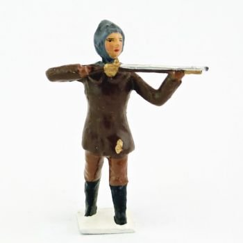 explorateur avec cagoule, fusil en joue