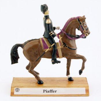 Grand cavalier du Cadre Noir : Piaffer