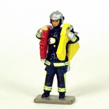 Sapeur-pompier  de la BSPP avec ligne d'attaque