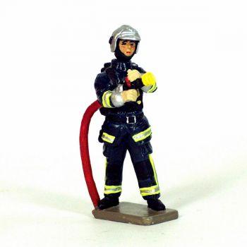 Sapeur-pompier de la BSPP porte-lance