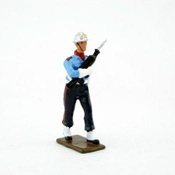 pompier avec Famas de la garde d'honneur des Sapeurs-Pompiers