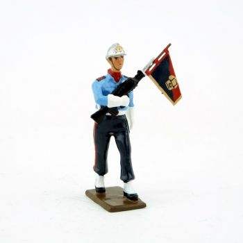 porte-fanion de la garde d'honneur des Sapeurs-Pompiers