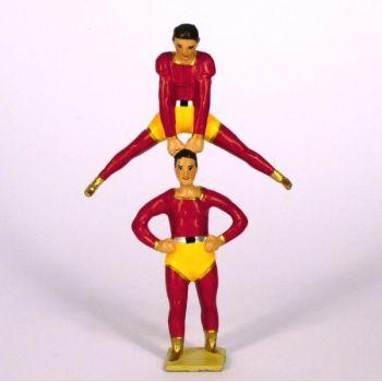 équilibriste en équilibre au dessus de l'autre