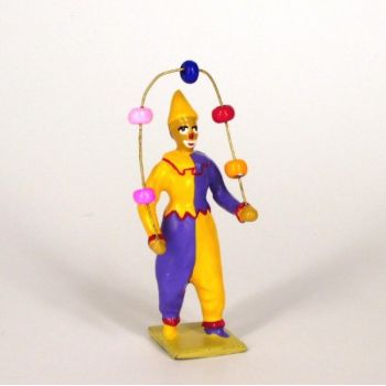 clown jonglant avec balles