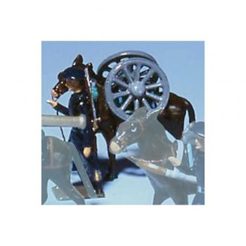 chasseur alpin en tenue bleue, tirant mulet avec paire de roues sur le dos
