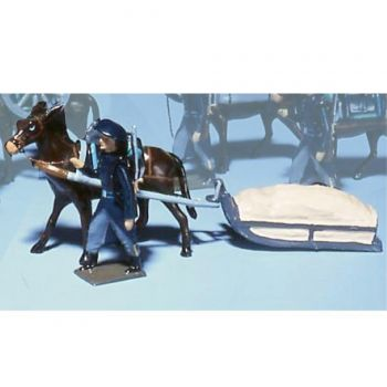 chasseur alpin en tenue bleue, tirant mulet tirant luge bâchée