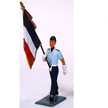 porte-drapeau de l'Ecole de Formation des sous-officiers de l'Armée de l'air