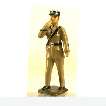 """gendarme avec sifflet en tenue dite """"couleur sable"""" (rendue célèbre par le gendarme de St Tropez)"""