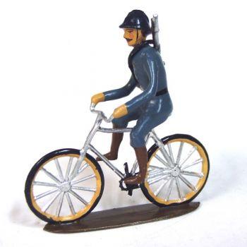 Cycliste En Tunique Bleu Horizon